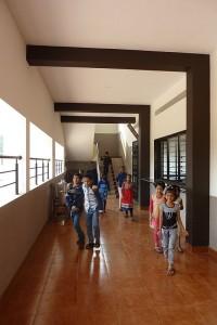 4 škola je prostorná a čistá